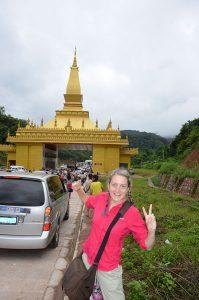 A-crossing-into-Laos