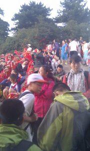 Sunrise-crowds